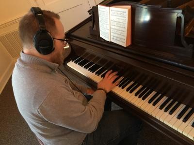 Tracking piano
